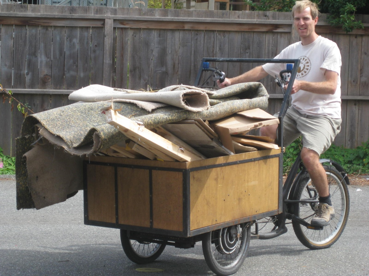 Electric Cargo Trike with Trash Load