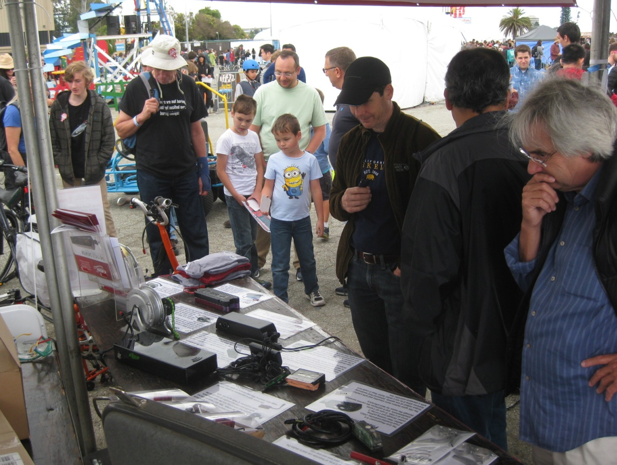 Visitors at Grin's 2016 Maker Faire Booth